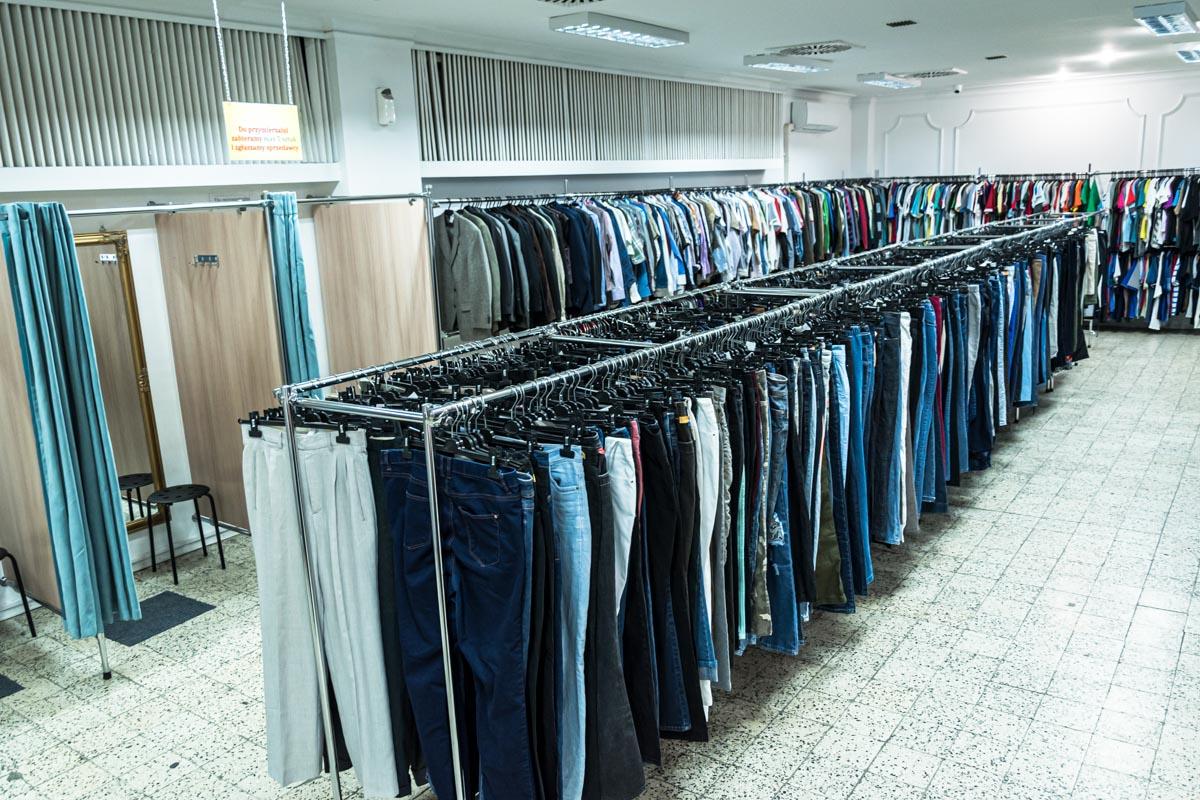 Odzież używana retro sklep Warszawska (10)