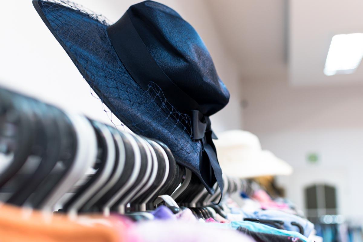 Odzież używana retro sklep Warszawska (2)