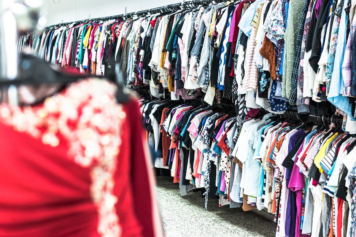 Odzież używana retro sklep Warszawska (6)