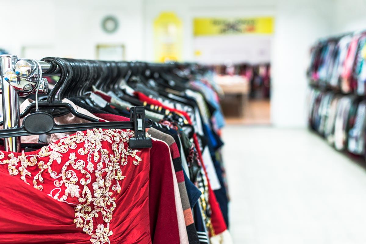 Odzież używana retro sklep Warszawska (7)